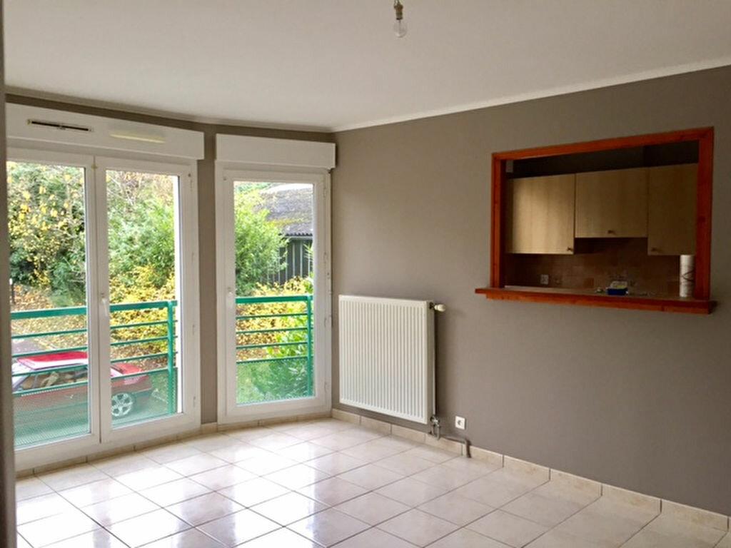 Location Appartement 2 pièces à Noisy-le-Grand - vignette-3