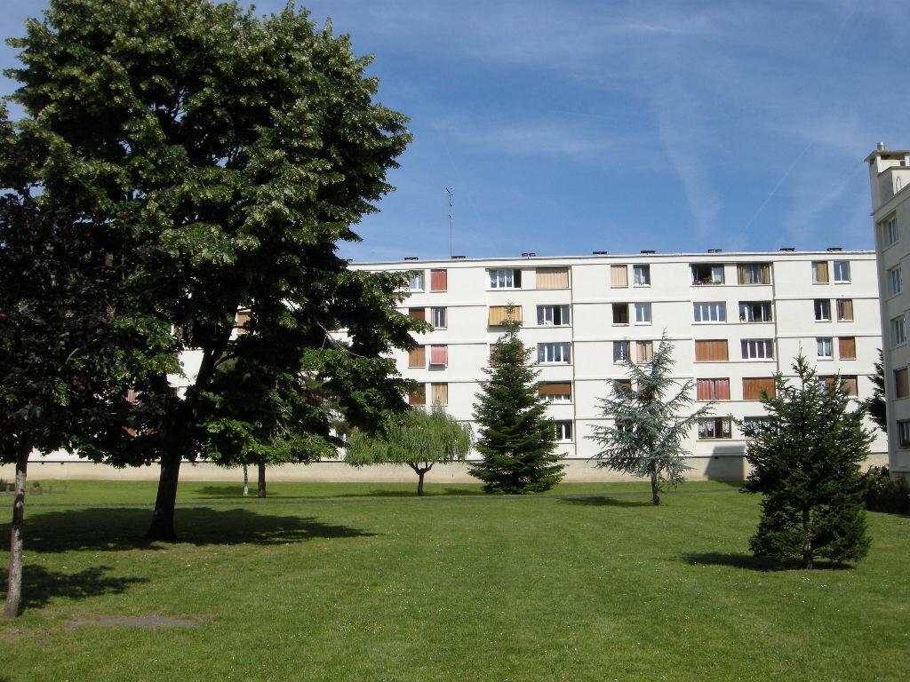 Achat Appartement 3 pièces à Avon - vignette-1