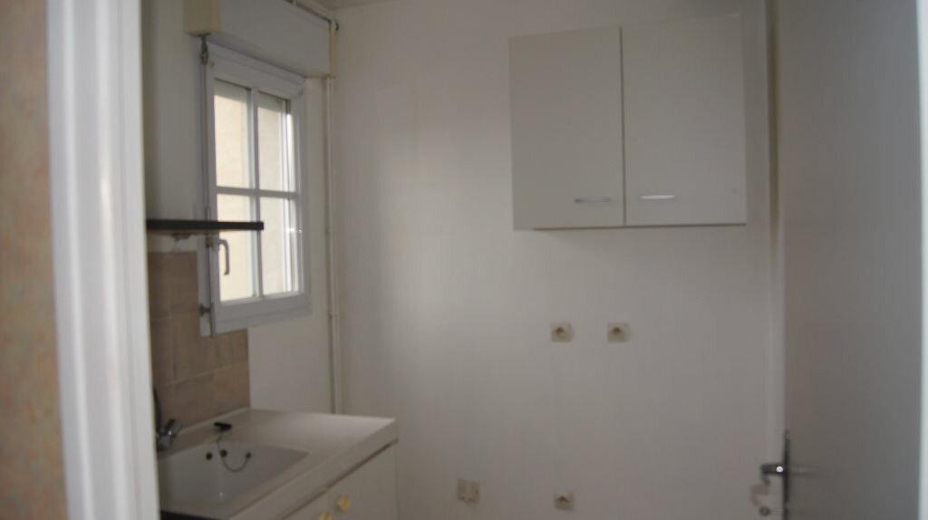 Location Appartement 3 pièces à Mamers - vignette-3