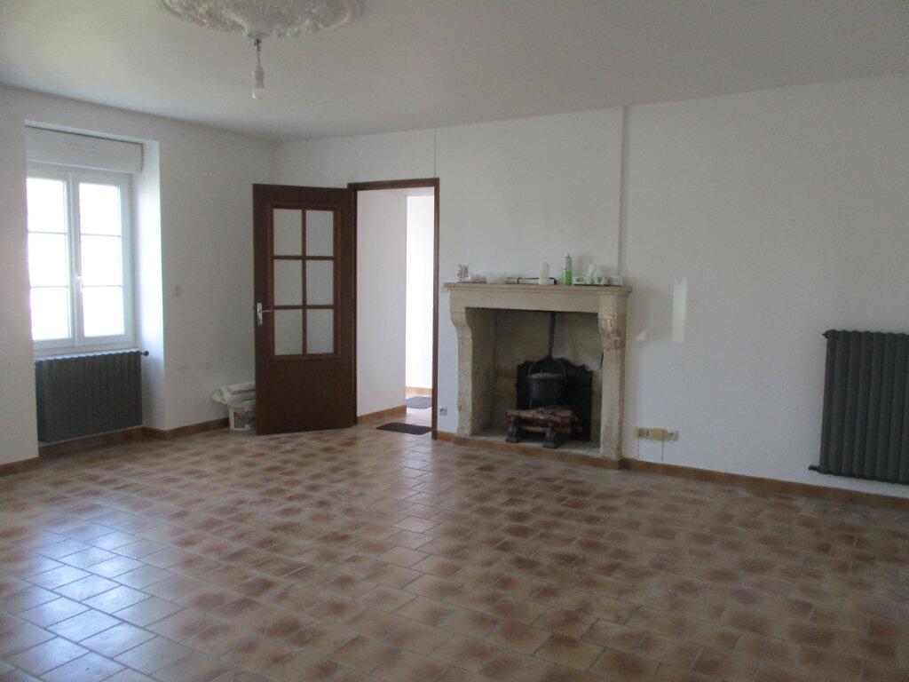 Achat Maison 5 pièces à Saint-Rémy-des-Monts - vignette-2