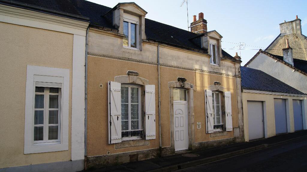 Location Maison 4 pièces à Mamers - vignette-1