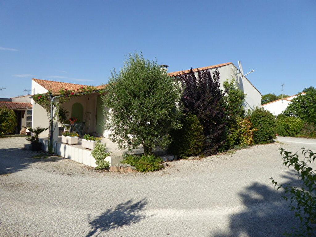 Achat Maison 5 pièces à Sainte-Soulle - vignette-1