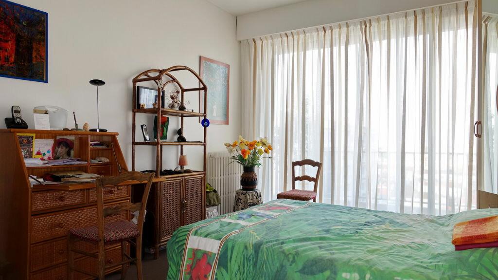 Achat Appartement 4 pièces à La Rochelle - vignette-6
