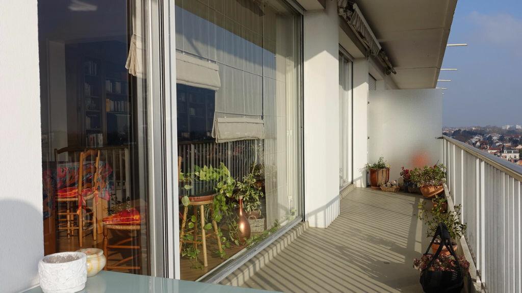 Achat Appartement 4 pièces à La Rochelle - vignette-7