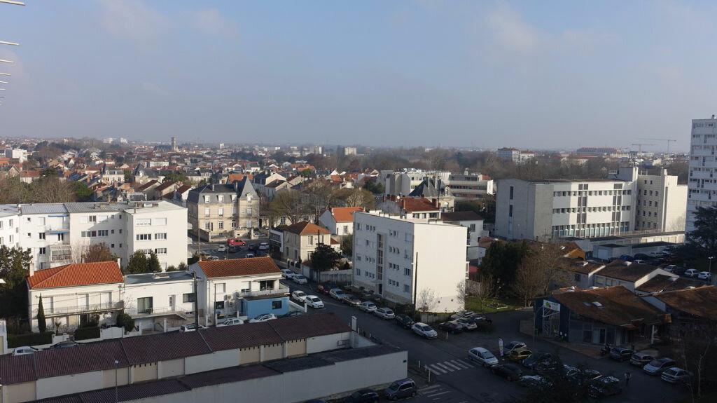 Achat Appartement 4 pièces à La Rochelle - vignette-12
