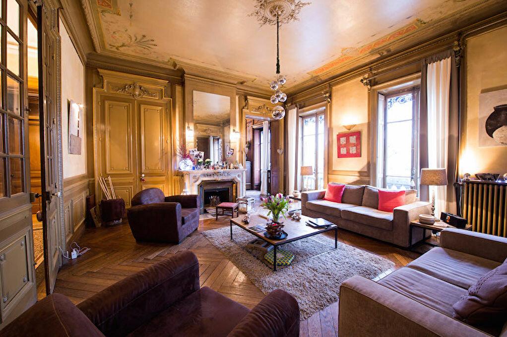 Achat Appartement 8 pièces à Lyon 6 - vignette-1