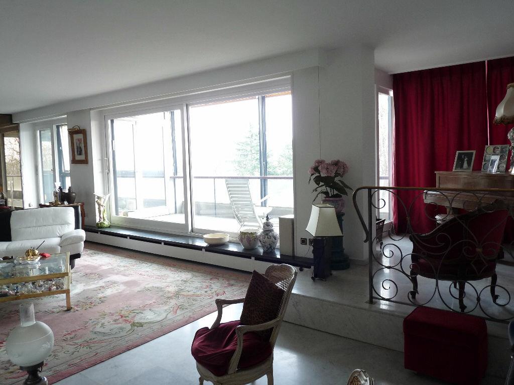 Achat Appartement 5 pièces à Saint-Didier-au-Mont-d'Or - vignette-1