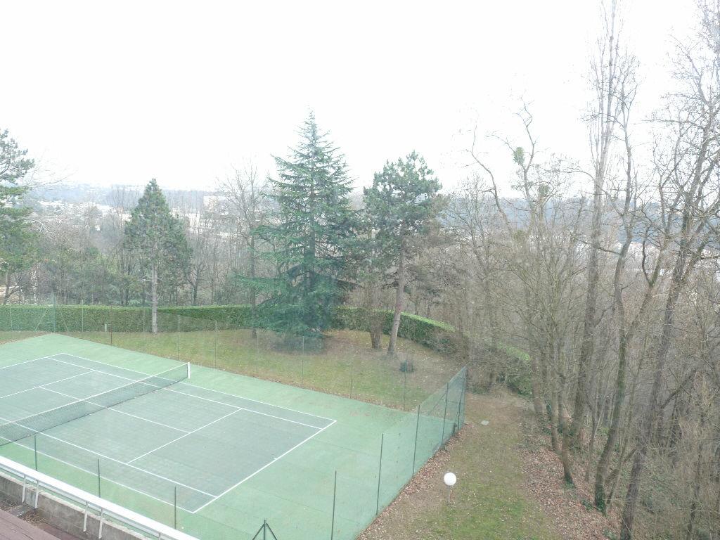 Achat Appartement 5 pièces à Saint-Didier-au-Mont-d'Or - vignette-6