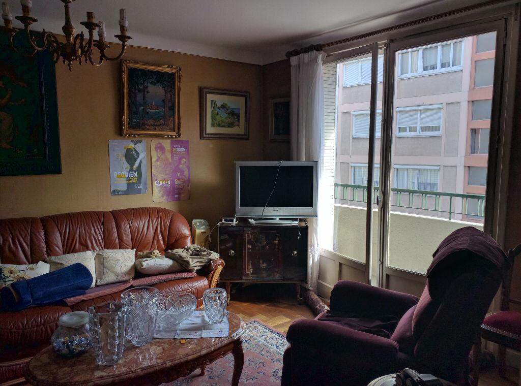 Achat Appartement 3 pièces à Lyon 6 - vignette-1