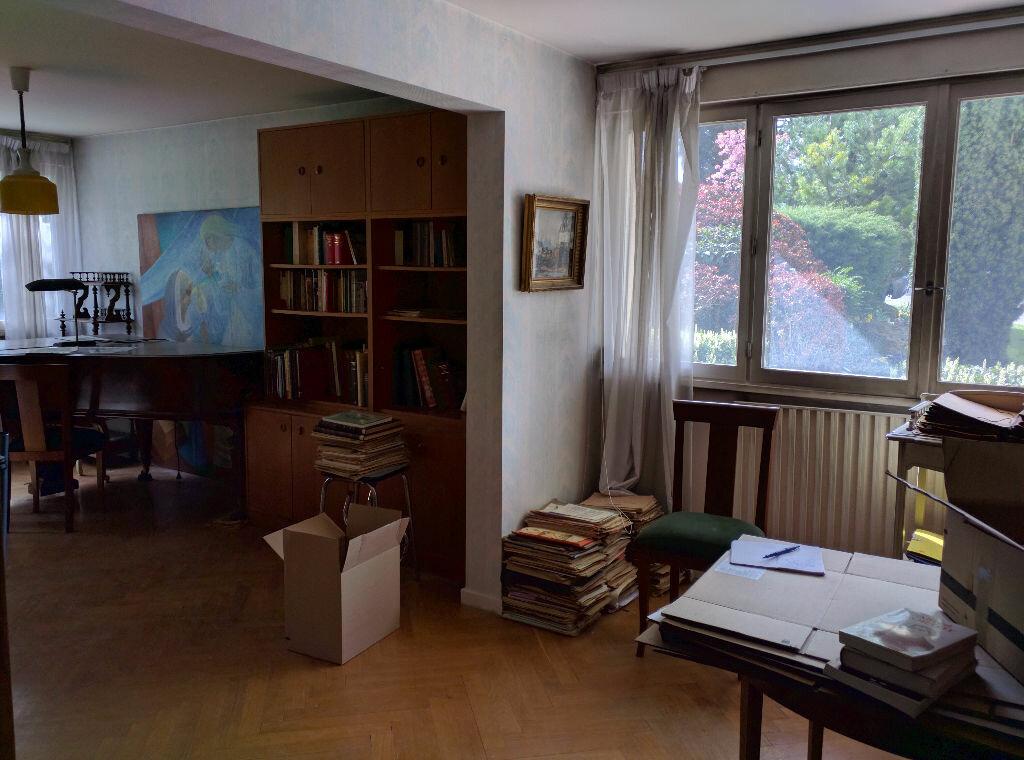 Achat Appartement 3 pièces à Sainte-Foy-lès-Lyon - vignette-2