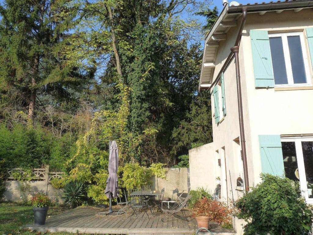 Achat Maison 8 pièces à Saint-Cyr-au-Mont-d'Or - vignette-2