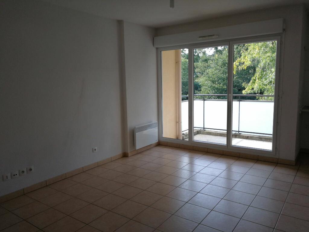 Achat Appartement 2 pièces à Neuville-sur-Saône - vignette-3