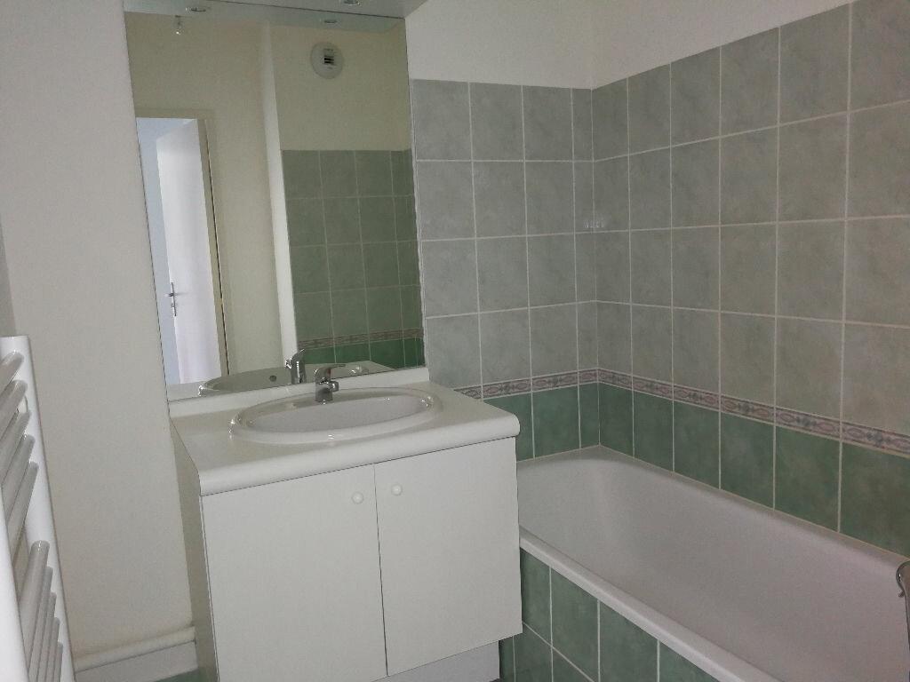 Achat Appartement 2 pièces à Neuville-sur-Saône - vignette-4