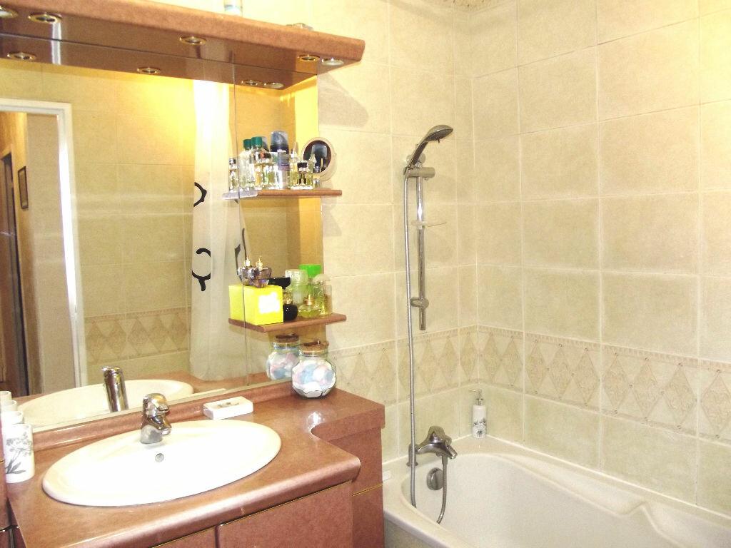 Achat Appartement 4 pièces à Lyon 9 - vignette-8