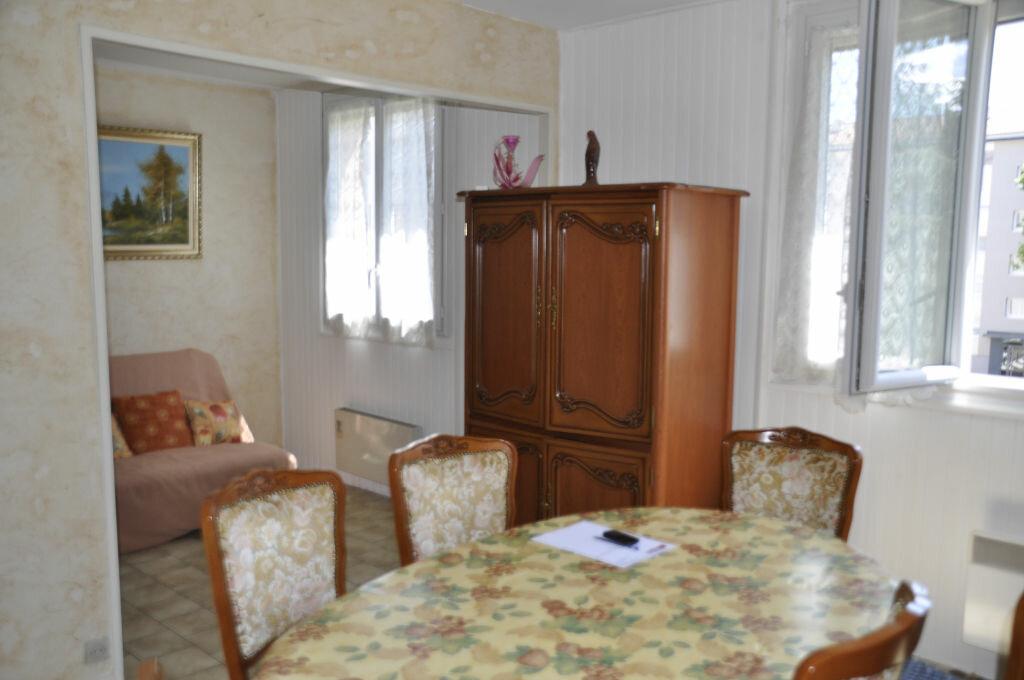 Achat Appartement 3 pièces à Bron - vignette-1
