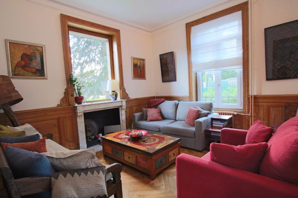 Location Maison 10 pièces à Tassin-la-Demi-Lune - vignette-2