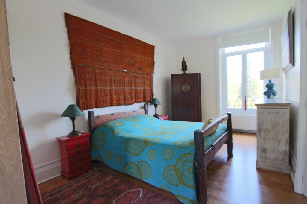 Location Maison 10 pièces à Tassin-la-Demi-Lune - vignette-9