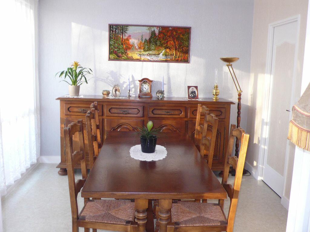Achat Appartement 3 pièces à Gaillon - vignette-1