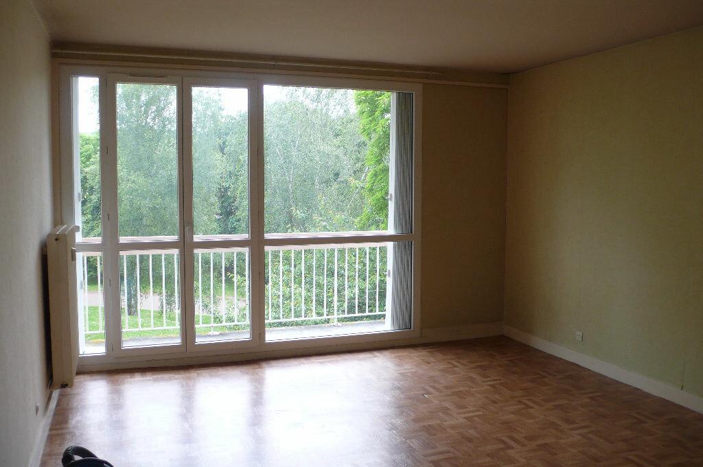 Achat Appartement 1 pièce à Gaillon - vignette-1