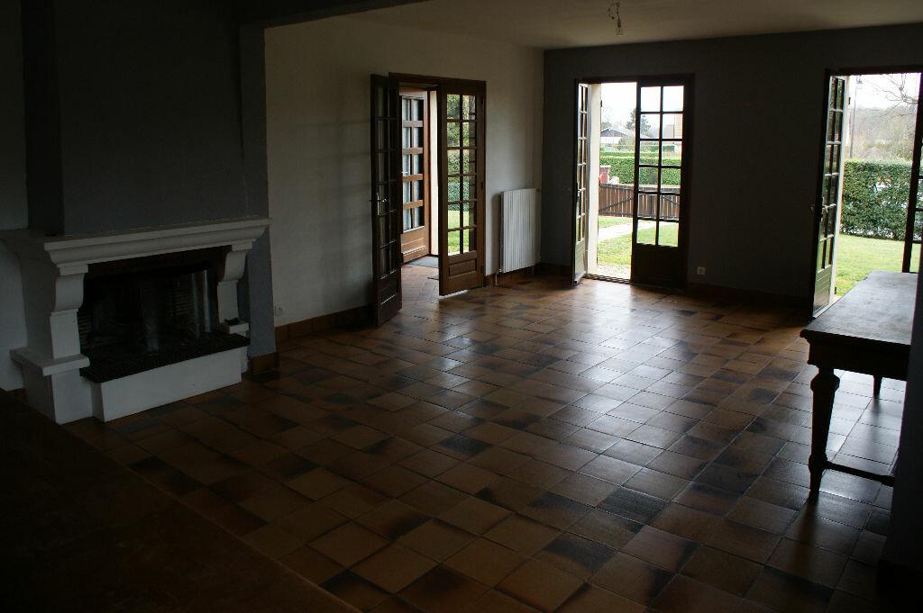 Location Maison 7 pièces à Caugé - vignette-4