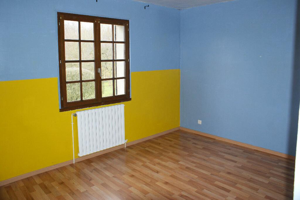 Location Maison 7 pièces à Caugé - vignette-7