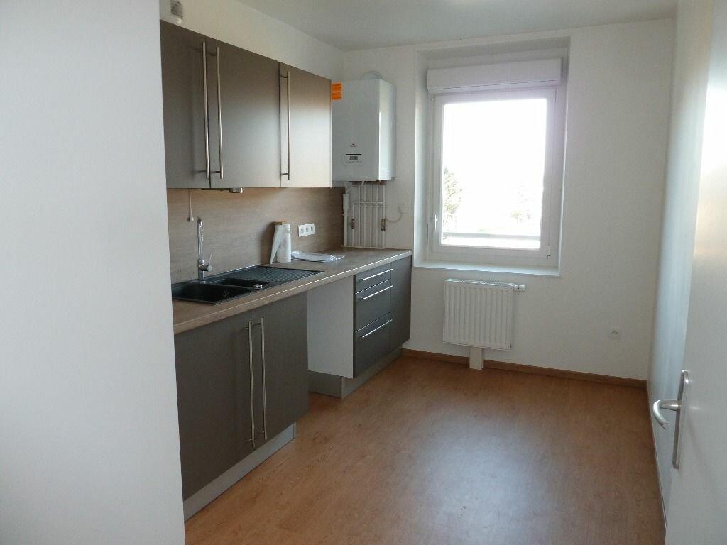 Location Appartement 3 pièces à Évreux - vignette-2