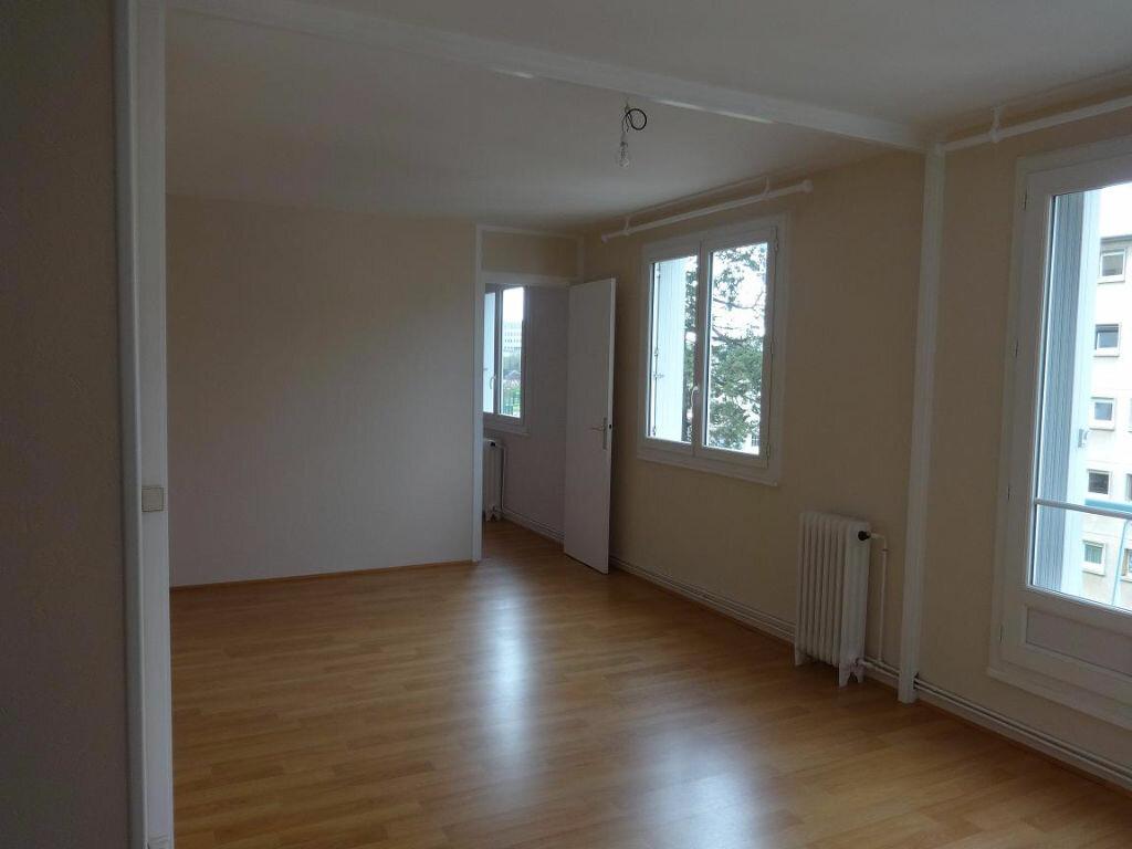 Location Appartement 3 pièces à Évreux - vignette-1
