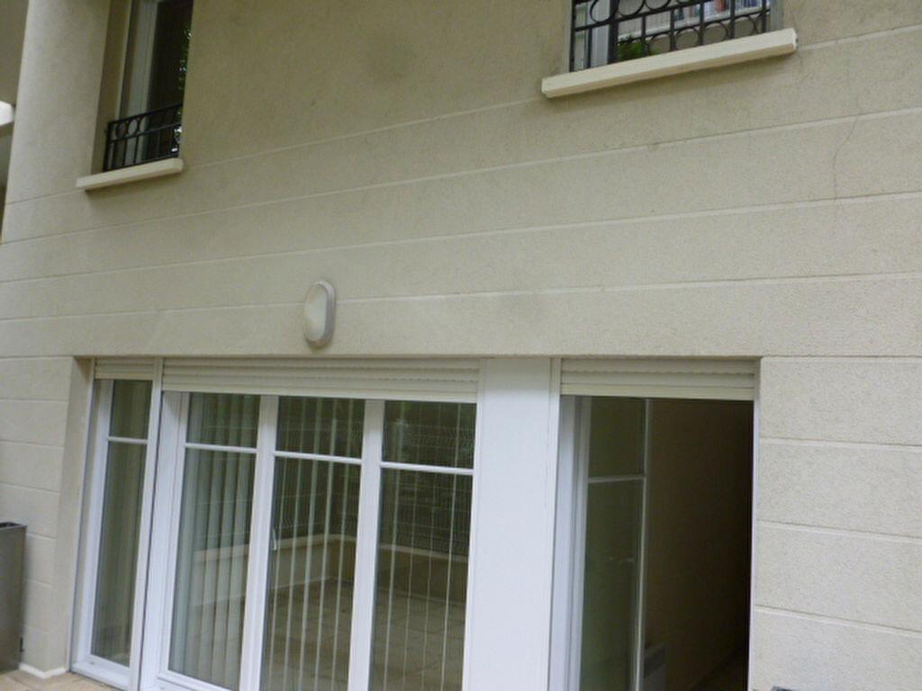 Location Appartement 3 pièces à Bordeaux - vignette-1