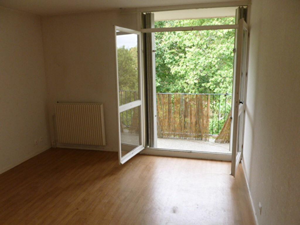 Location Appartement 1 pièce à Pessac - vignette-1