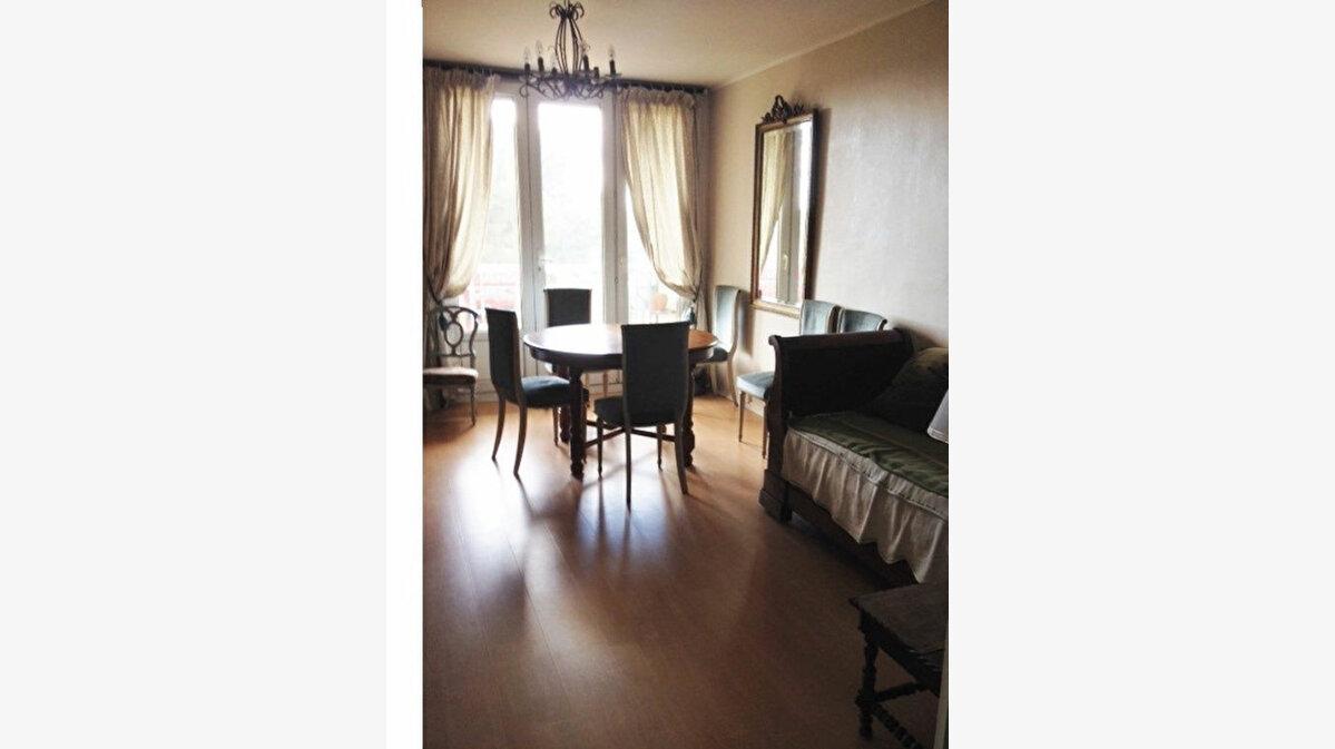 Achat Appartement 4 pièces à Gradignan - vignette-1