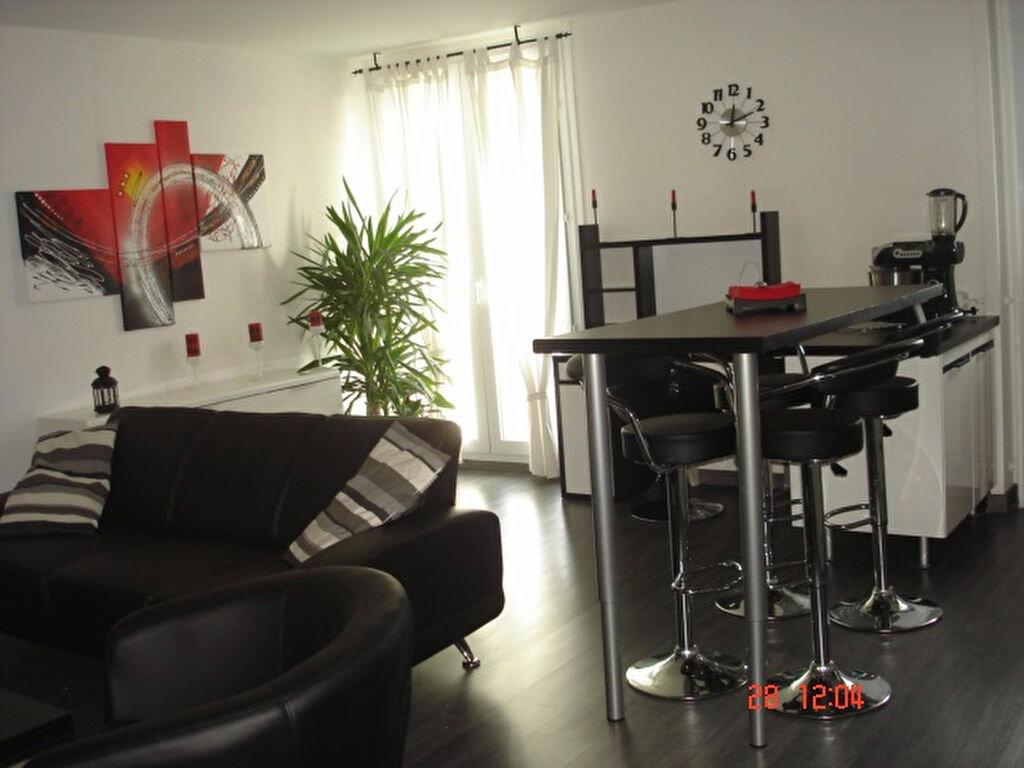 Achat Appartement 2 pièces à Gradignan - vignette-2
