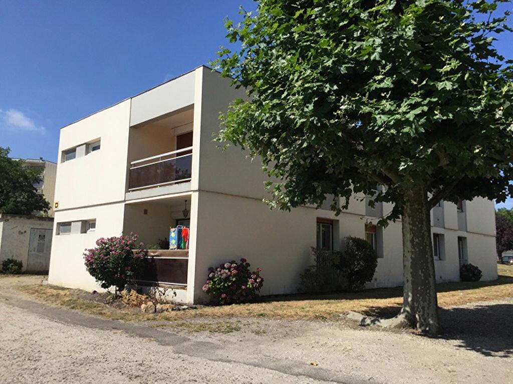 Location Appartement 4 pièces à Gradignan - vignette-1