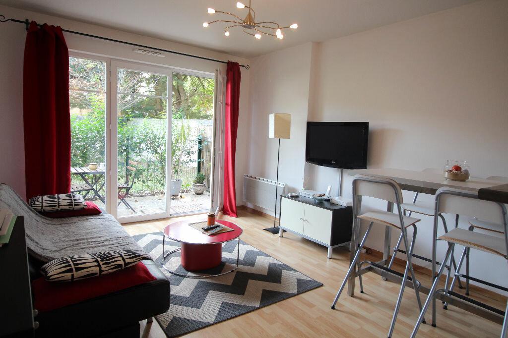 Achat Appartement 2 pièces à Cadaujac - vignette-1