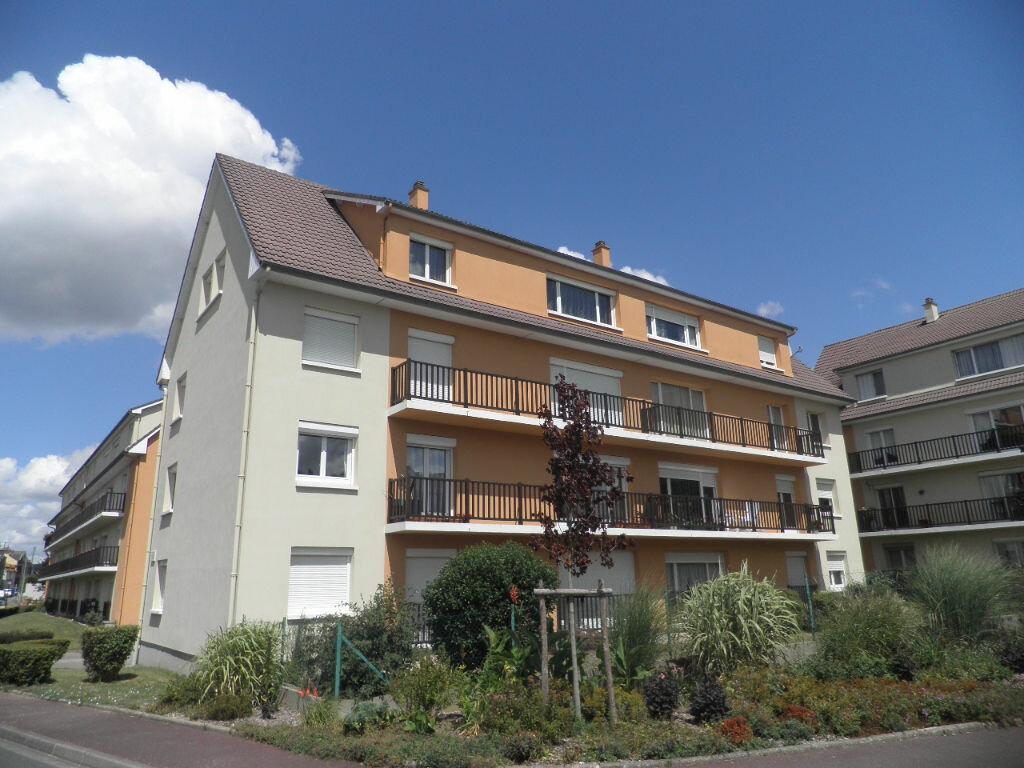 Achat Appartement 4 pièces à Petit-Couronne - vignette-1