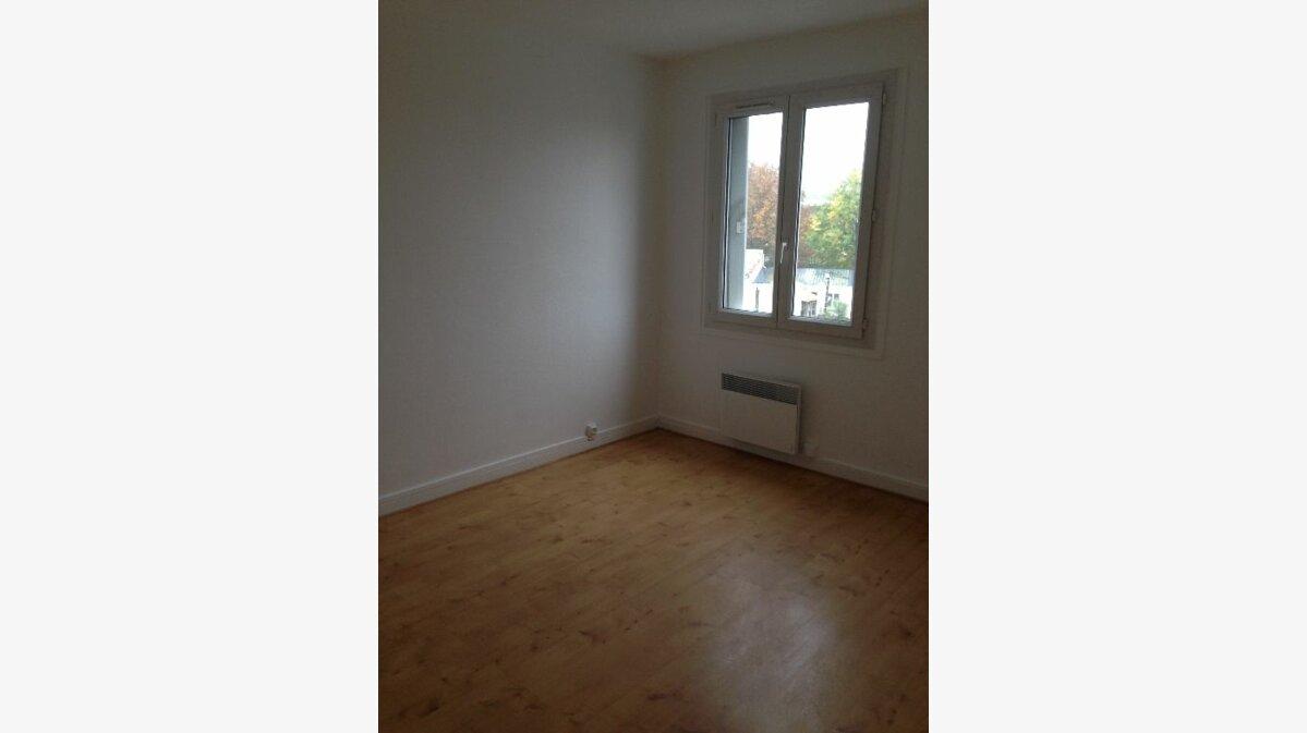 Location Appartement 3 pièces à Le Petit-Quevilly - vignette-1