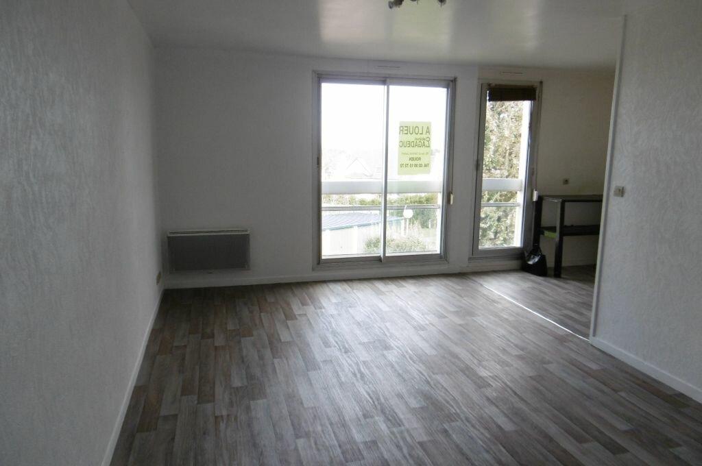 Location Appartement 1 pièce à Le Mesnil-Esnard - vignette-1