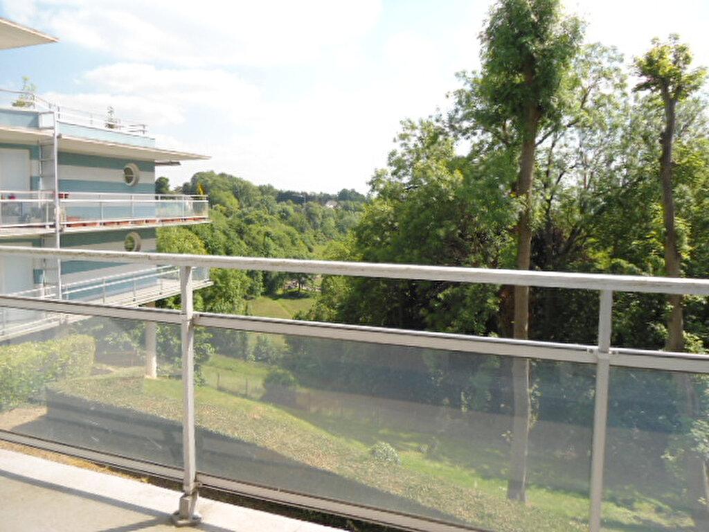 Achat Appartement 1 pièce à Mont-Saint-Aignan - vignette-1