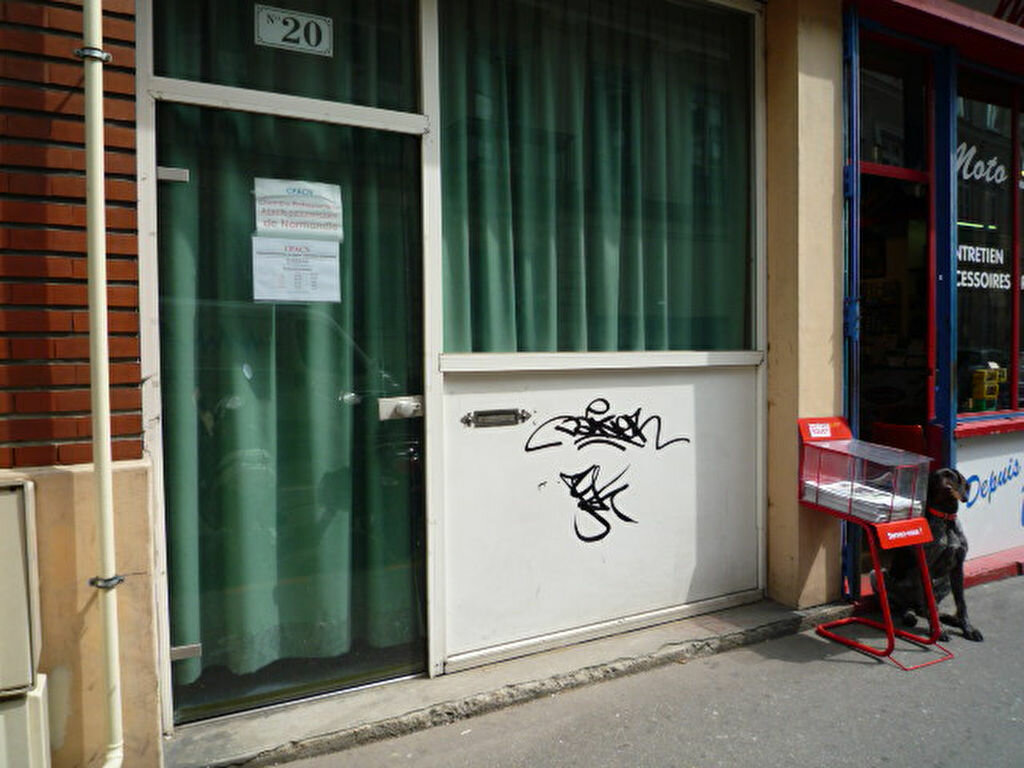 Location Local commercial  à Rouen - vignette-1