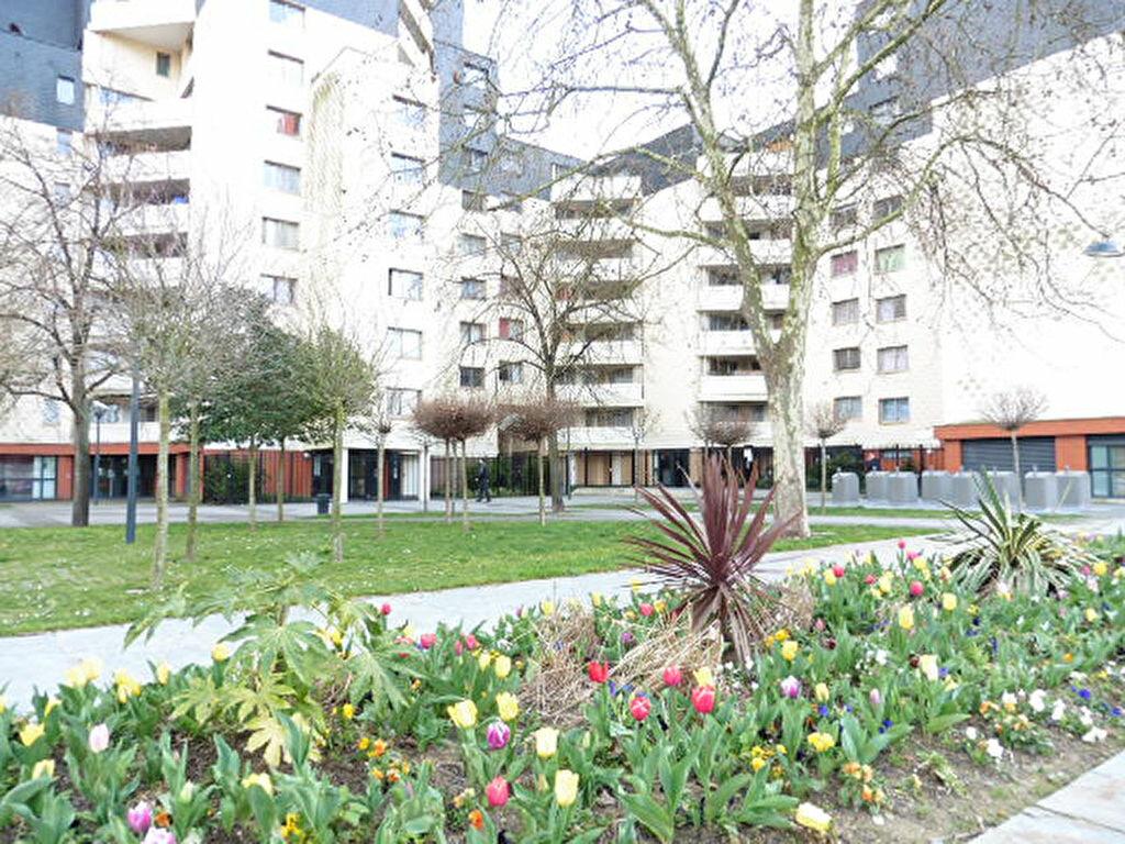 Achat Appartement 3 pièces à Le Petit-Quevilly - vignette-1