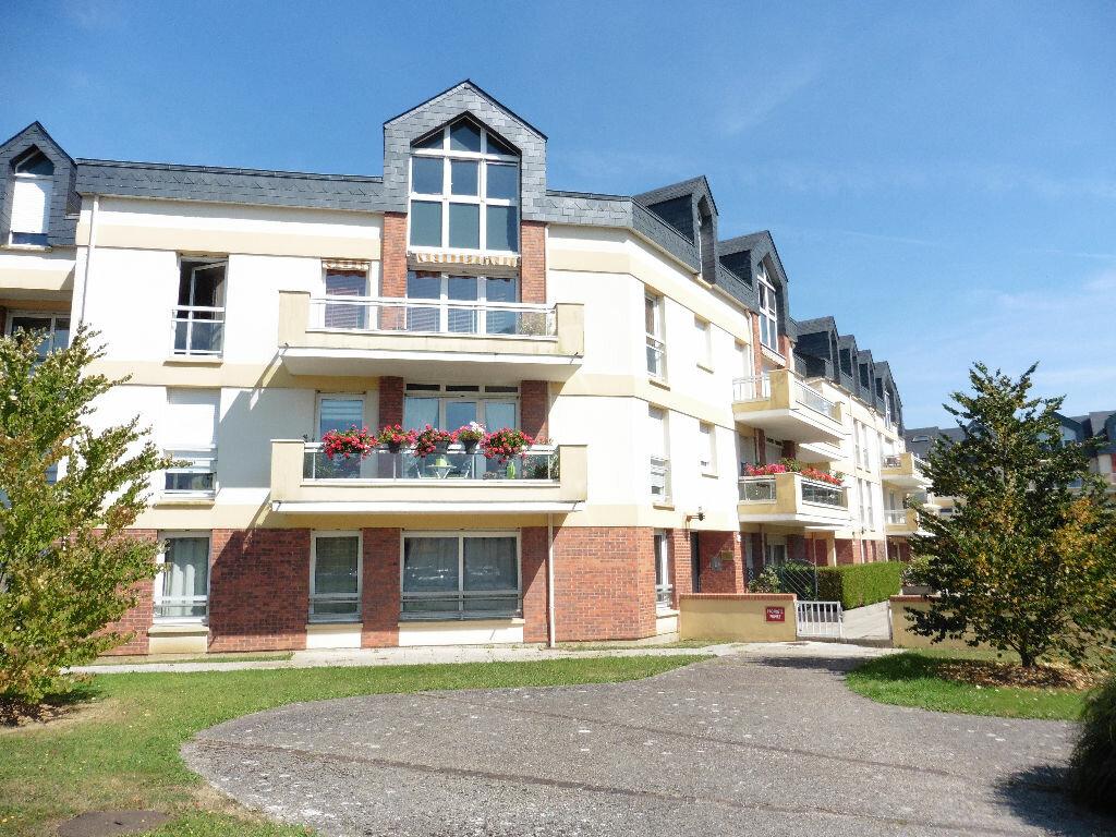 Location Appartement 4 pièces à Mont-Saint-Aignan - vignette-1