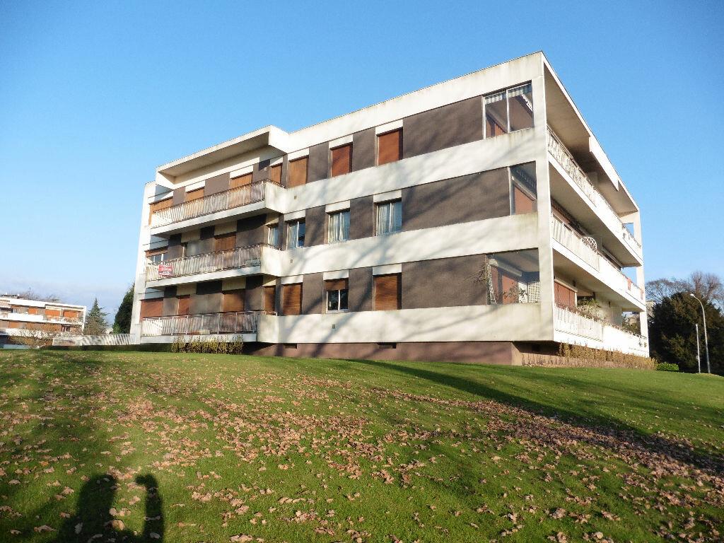 Achat Appartement 3 pièces à Mont-Saint-Aignan - vignette-1