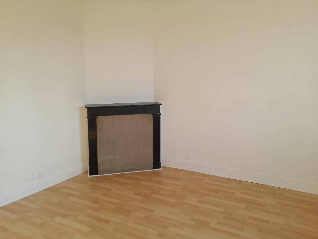 Location Appartement 1 pièce à Mormant - vignette-1