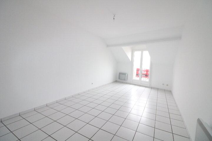 Achat Appartement 3 pièces à Fontenay-Trésigny - vignette-2