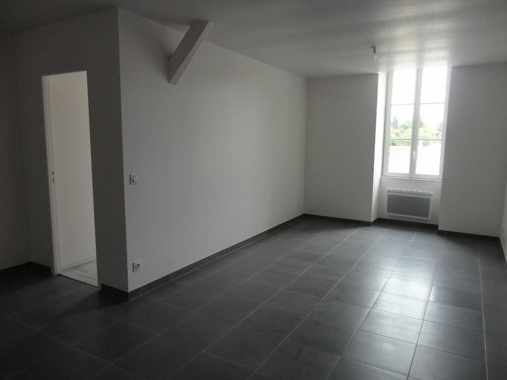 Location Appartement 3 pièces à Rozay-en-Brie - vignette-1