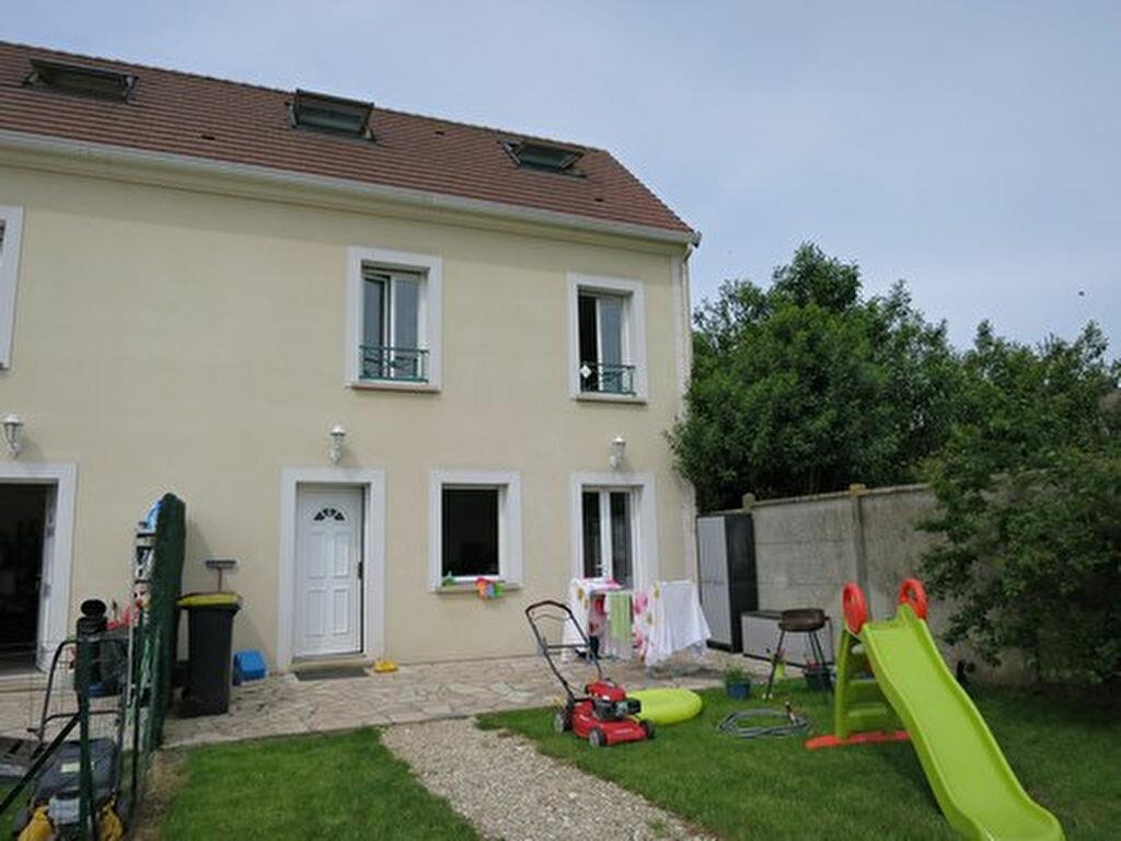 Location Maison 3 pièces à Gastins - vignette-1