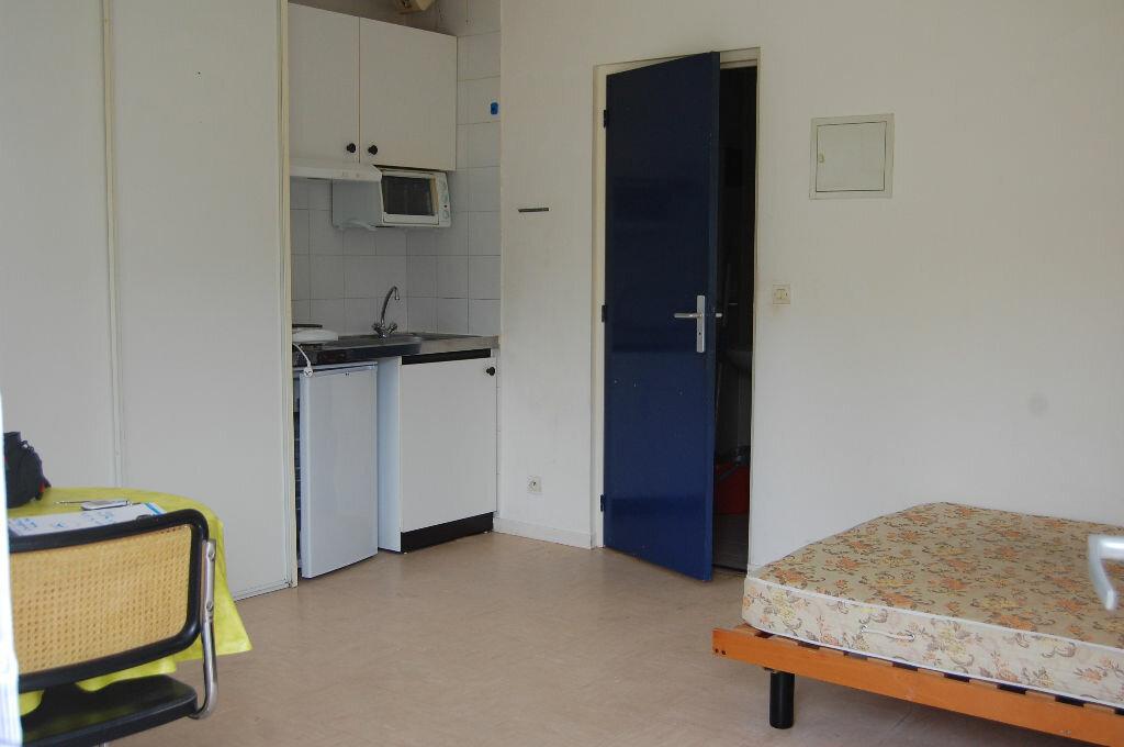 Location Appartement 1 pièce à Grandpuits-Bailly-Carrois - vignette-1