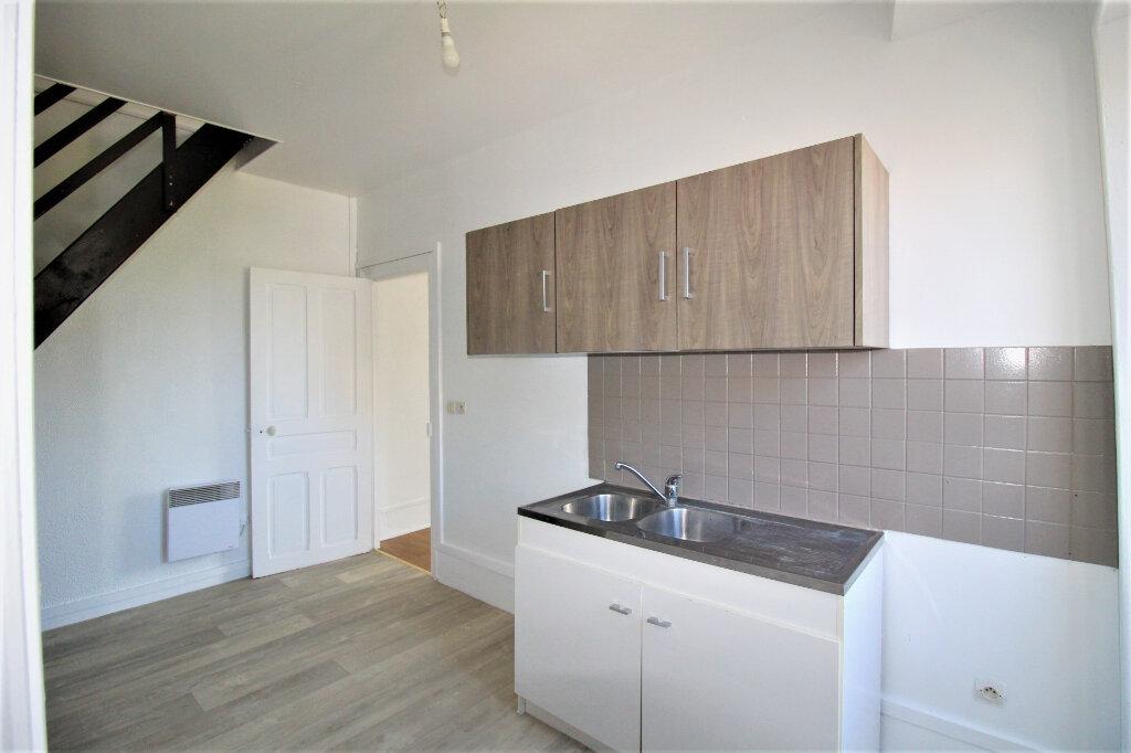 Location Appartement 2 pièces à Rozay-en-Brie - vignette-1