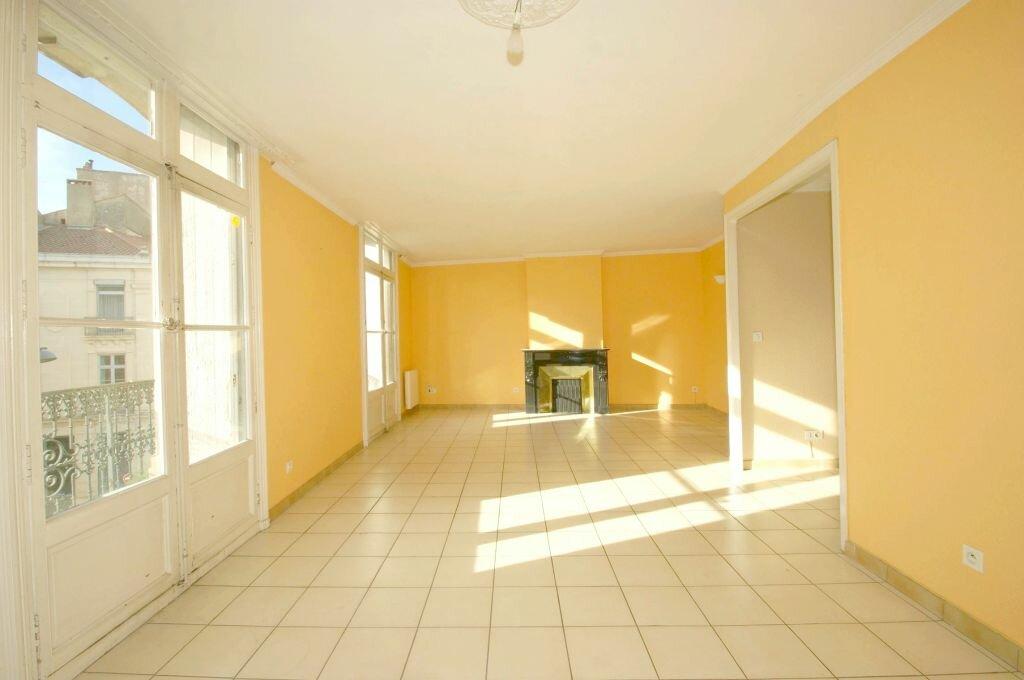 Location Appartement 6 pièces à Béziers - vignette-1