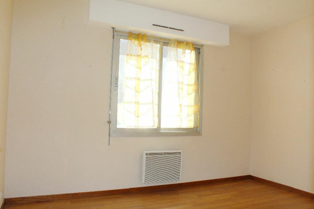 Achat Appartement 3 pièces à Béziers - vignette-4