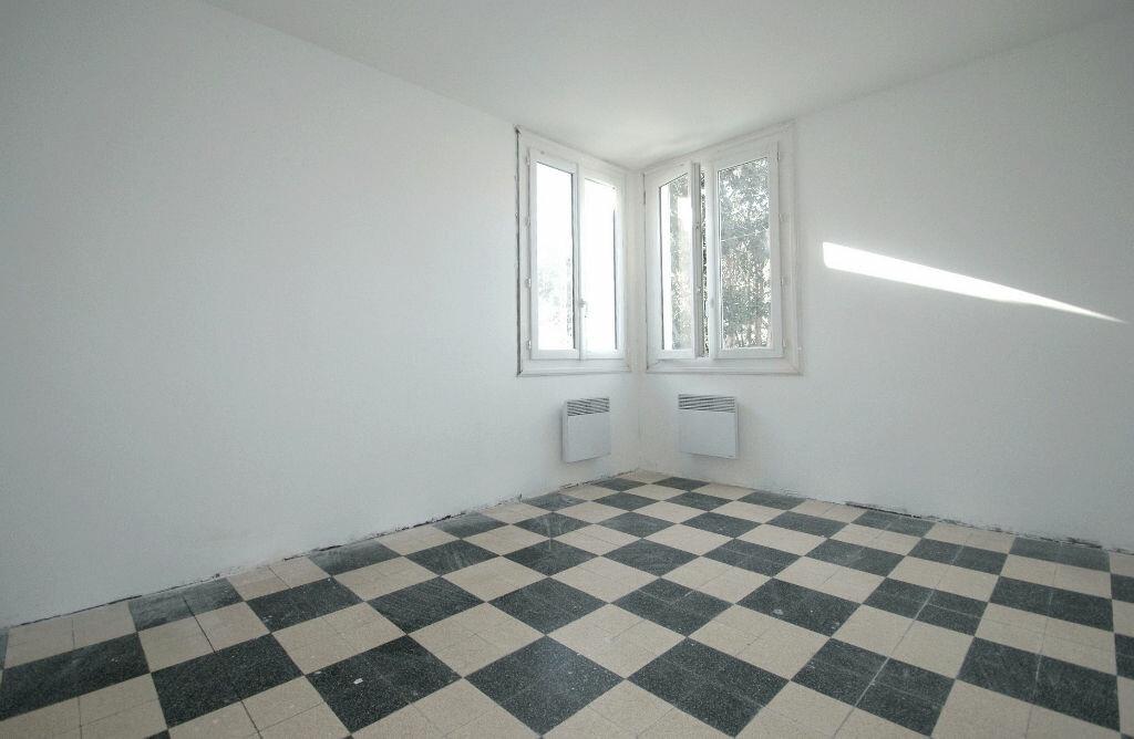Location Appartement 4 pièces à Béziers - vignette-1